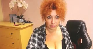 Live cam sex with MeganMatureRed
