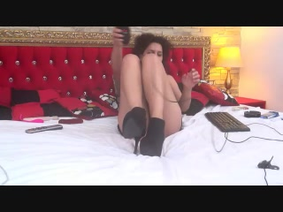 Live cam hook-up with CurlyLissa