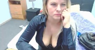 Live webcam sex with MisstressPom