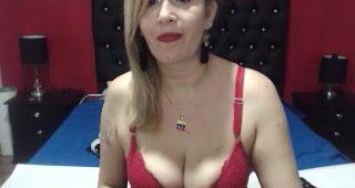 Live webcam hookup with GabriellaXtreme