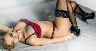 Live webcam hookup with IreneNielson
