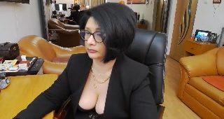 Live web cam fuck-a-thon with ClassybutNaughty
